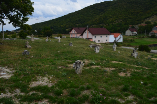 Pravoslavno groblje u Lištanima 2013. godine