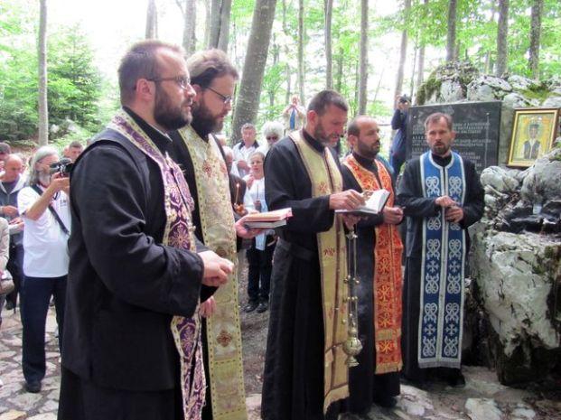 Над Шарановом јамом на Велебиту, парастос поводом Дана сјећања (СРНА)